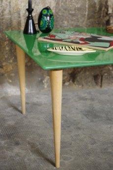 table-design-vintage-verre-bois-vert-2
