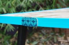 table-basse-vintage-verre-pied-conique-bleu-fleurs-3