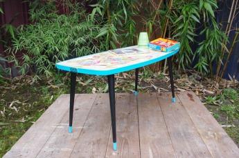 table-basse-vintage-verre-pied-conique-bleu-fleurs-8