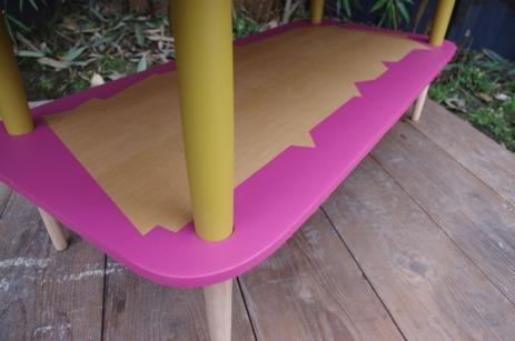 table-basse-vintage-bois-design-verre-rose-jaune-conique-4