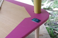 table-basse-vintage-bois-design-verre-rose-jaune-conique-9