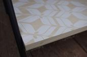 meuble-bibliotheque-hifi-téle-vintage-design-peint-bois-massif-made-in-France-fabrication-française-pied-acier-artisan-Normand-papier-peint-8