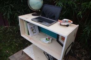 meuble-bibliotheque-hifi-téle-vintage-design-peint-bois-massif-made-in-France-fabrication-française-pied-acier-artisan-Normand-papier-peint-15