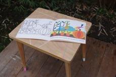 petite-table-enfant-vintage-rose-vert-bleu-blanc-bois-6