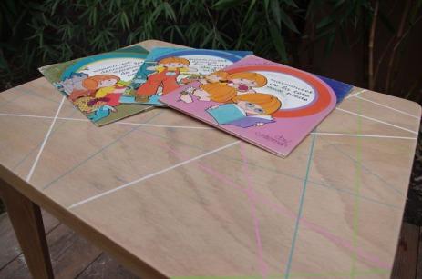 petite-table-enfant-vintage-rose-vert-bleu-blanc-bois-10