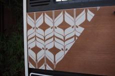 meuble-vintage-Grunding-audioprisma-hifi-radio-platine-disque-vinyle-blanc-papier-peint-bois-4