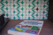 meuble-vintage-Grunding-audioprisma-hifi-radio-platine-disque-vinyle-blanc-papier-peint-bois-9