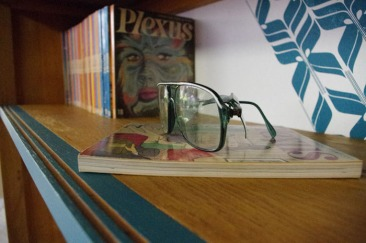 bibliothèque-étagère-vintage-relookée-peint-vaisselier-turquoise-Rouen-Paris-3