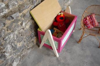 coffre-à-jouet-vintage-enfant-rangement-rose-vert-pied-compas-Rouen-Paris-9