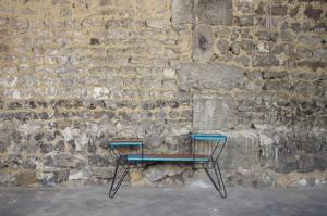 mini-table-enfant-vintage-disque-plante-étagère-turquoise-Rouen-Paris-1