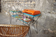 mini-table-enfant-vintage-disque-plante-étagère-turquoise-Rouen-Paris-4